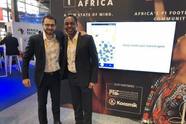 À gauche, Grégoire Yakan, fondateur et CEO de Koosmik et à droite, Claude Grunitzky, nouveau collaborateur de l'équipe Koosmik.