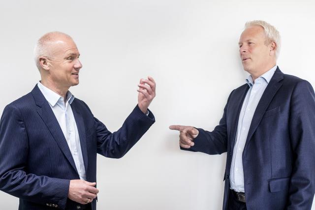 Claude Olinger, directeur des ressources humaines de Post Group et Pierre Knoden, responsable RH et membre du comité de direction d'ING Luxembourg.