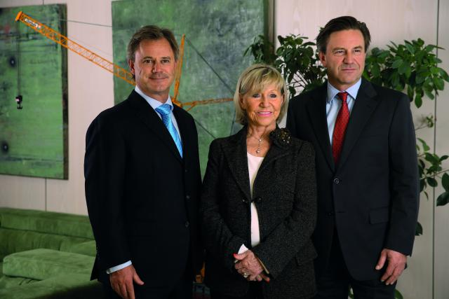 Jeanny Giorgetti entourée de ses fils, Marc et Paul Giorgetti.