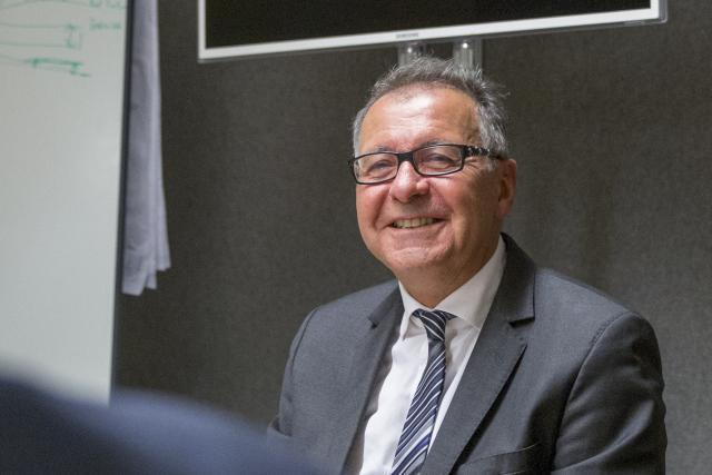 Pierre Cuny est le maire de Thionville (Divers droite) et président de la communauté d'agglomération Portes de France-Thionville.
