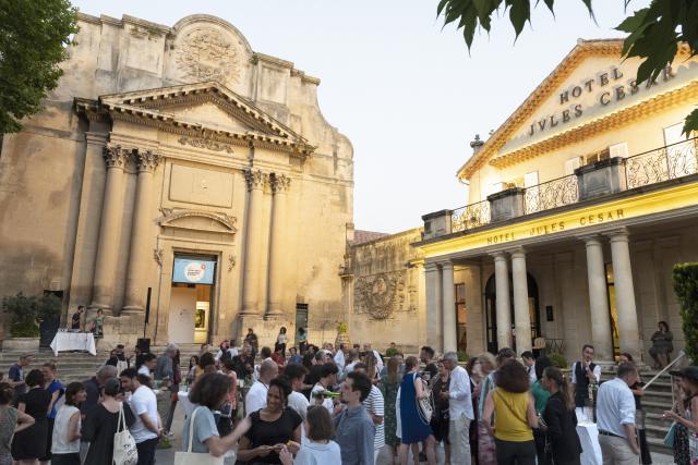 L'exposition luxembourgeoise à Arles se tient dans la Chapelle de la Charité.