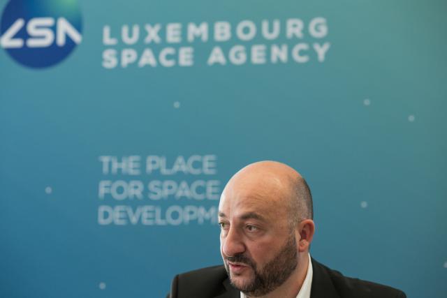 Étienne Schneider a défendu une vision de développement d'un secteur économique forcément risqué, mais porteur à moyen et long terme face au député Laurent Mosar.