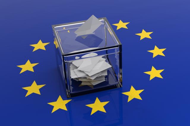 La demande d'inscription sur les listes électorales (communales ou européennes) peut se faire tout au long de l'année et est gratuite.