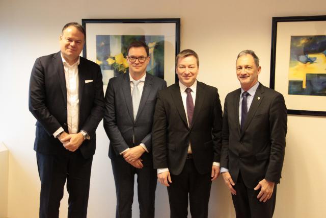 Marc Hansen (deuxième en partant de la droite) a rencontré Gerard Hoffmann, Vincent Lekens et Marc Hemmerling de ICT Luxembourg.