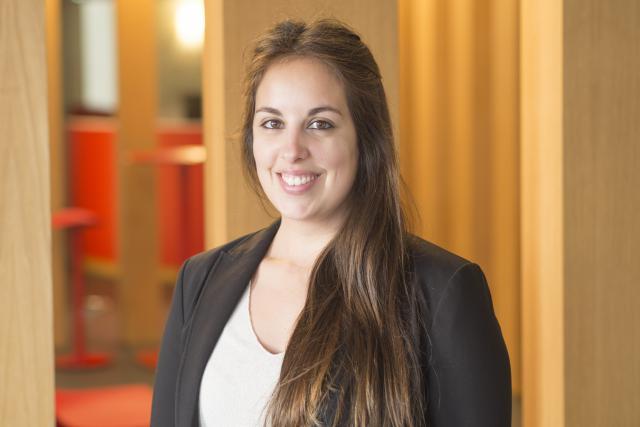 Letizia Valenti: «J'ai été remplaçante en tant qu'assistante maternelle au Lycée Vauban et éducatrice au Centre Polyvalent de l'Enfance.»
